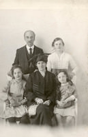 Armitage family at Salem Bazaar - YGA00016